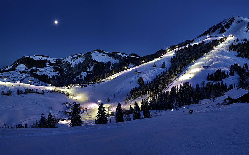 Night skiing in Söll