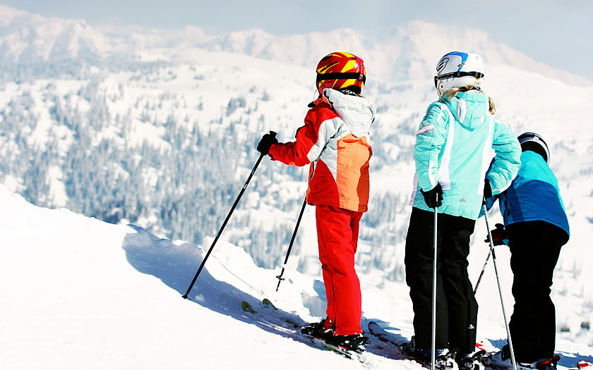 Children skiing at Hochkar