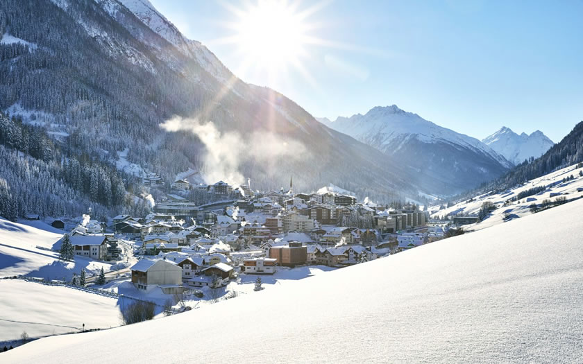 Ischgl postpones ski opening